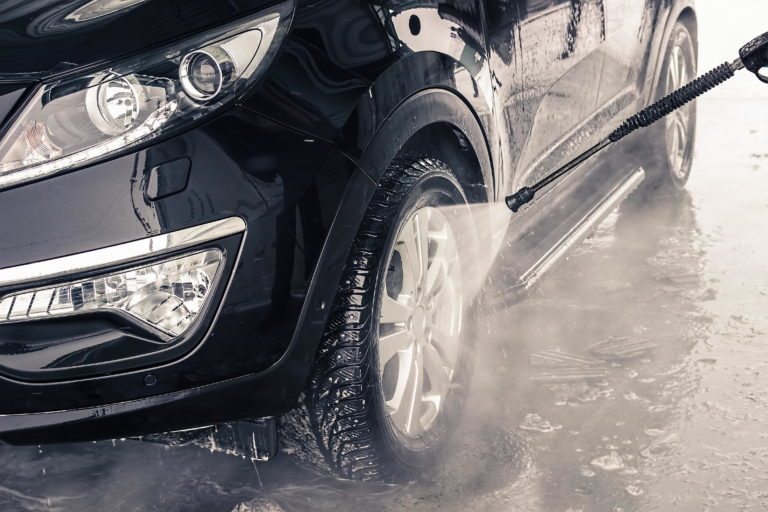 หลีกเลี่ยงการล้างล้อรถพร้อมๆ กันทั้ง 4 ล้อ