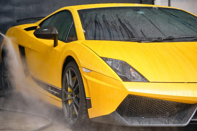 ล้างและขัด เคลือบ สี รถของคุณให้ดูดีเสมอ เพิ่มมูลค่าการขายสุดปังให้รถของคุณ