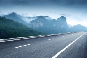 ควรทดลองขับรถที่ไหนบ้าง? ใช้เวลานานเท่าไหร่ถึงจะดีพอ?