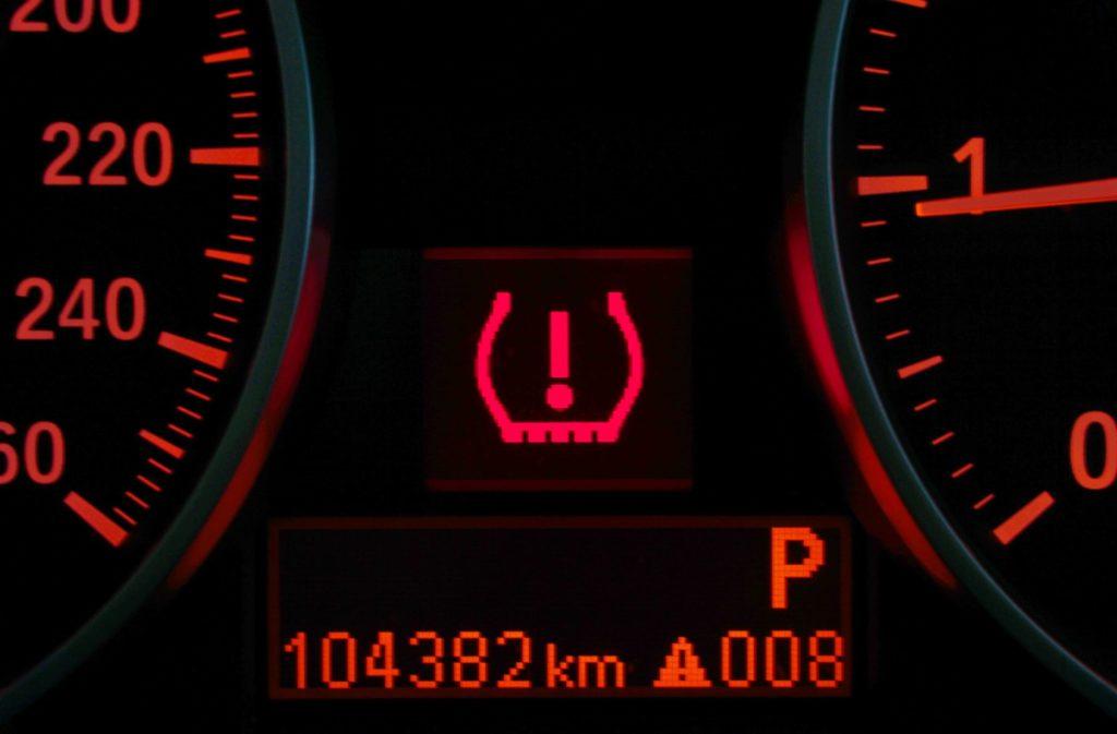 สัญญาณเตือนแรงดันลมยาง (Tire pressure warning)