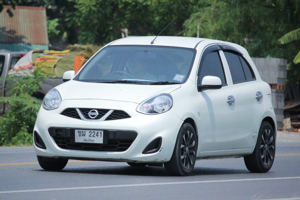 6. รถ Hatchback มือสอง: Nissan March